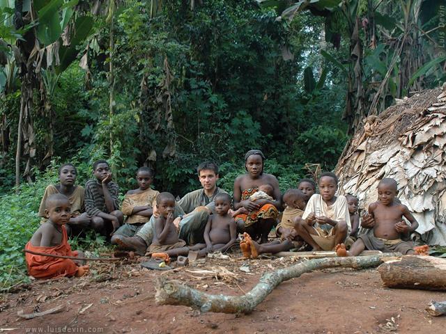 Risultati immagini per VIAGGIO FOTOGRAFICO TRA I PIGMEI 'BAKA' DELL'AFRICA CENTRALE