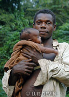 Young Pygmy father parenting